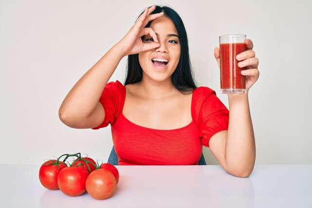 Tomatoes Remedies For Dark Circles